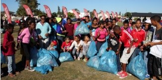 120 learners from Blackheath Primary tackle litter problem in canal clean-up