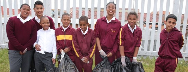 Peninsula Beverages kicks off school recycling competition